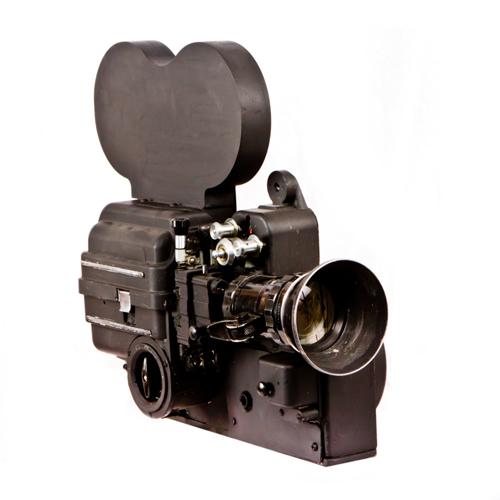 старинная кинокамера